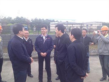 江苏环保厅厅长参观由江阴竞博jbo首页承建的江阴市刷卡排污项目